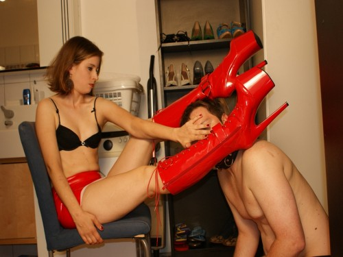 Boot Licking with Goddess Gloria